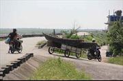 Người dân ven biển Đông Bắc Bộ hối hả chống bão số 7