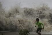 Bão Sarika với gió giật cấp 14 gây nhiều thiệt hại ở Trung Quốc