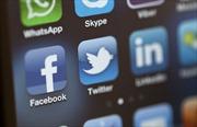 Tổng thống Mỹ cáo buộc Facebook, Twitter can thiệp bầu cử
