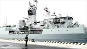 Tàu Hải quân Australia thăm cảng quốc tế Cam Ranh