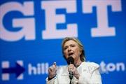 """Hillary Clinton - Kẻ thù """"được ưa thích"""" của Phố Wall"""