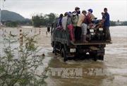 Một người chết, nhiều địa phương bị chia cắt vì mưa lũ ở Bình Định