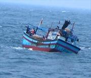 Tích cực tìm kiếm 3 ngư dân Bình Định mất tích trên biển