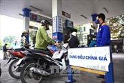 Lo ngại tăng mạnh thuế xăng dầu làm tăng tình trạng buôn lậu