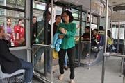 Trải nghiệm du Xuân bằng xe buýt nhanh BRT