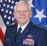 Cưỡng hiếp nữ Đại tá, Đại tướng quân đội Mỹ bị tước hai sao
