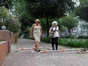 TP Hồ Chí Minh kiên quyết 'lấy lại' vỉa hè, lề đường cho người đi bộ