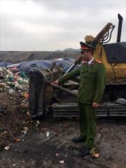 Phá hủy lò khai thác than trái phép tại Cẩm Phả