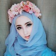 Hot girl Hồi giáo hút hàng trăm nghìn 'like' Facebook