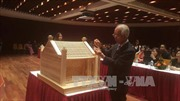Kiến trúc sư Nhật Bản trao tặng Hà Nội mô hình cổng làng Mông Phụ thu nhỏ