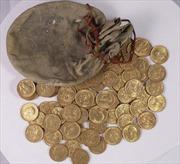 Phát hiện túi tiền vàng cực lớn giấu trong đàn piano hơn 100 năm tuổi