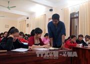Lớp dạy tiếng Anh miễn phí nơi cửa chùa