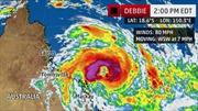 Australia sơ tán hàng nghìn người dân do bão Debbie