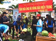 Tuổi trẻ Khánh Hòa 'giải cứu' dưa hấu cho nông dân Quảng Ngãi