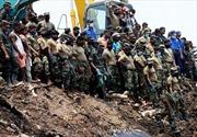Hàng nghìn người Sri Lanka sơ tán vì sập núi rác 90 mét