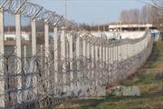 """Hungary hoàn tất hàng rào """"thông minh"""" ngăn người nhập cư"""