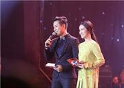 Cùng MC Nguyên Khang khám phá hậu trường của The Voice 2017 vòng loại trực tiếp