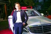 Oriflame tặng xe Mercedes-Benz C250 cho Executive Director mới
