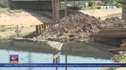 Hà Nội: Nhiều dòng chảy tiêu thoát nước bị 'bóp nghẹt'