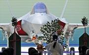 Nhật Bản ra mắt chiếc F-35 đầu tiên tự lắp ráp