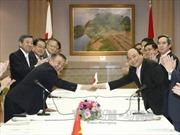 Thủ tướng Nguyễn Xuân Phúc hội kiến Chủ tịch Hạ viện Nhật Bản