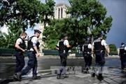Pháp điều tra vụ tấn công tại nhà thờ Đức Bà ở Paris