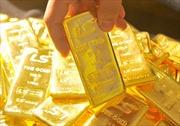 Vàng trong nước ngược chiều với giá vàng thế giới