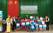 Fubon life Việt Nam: Quà Tết thiếu nhi thắp sáng những ước mơ