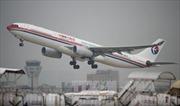 Máy bay rơi vào vùng nhiễu động, hàng chục người bị thương