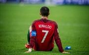 Ronaldo bất lực nhìn Chile vào Chung kết Confederations Cup
