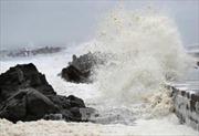3.500 du khách mắc kẹt ở đảo Cô Tô vì biển động