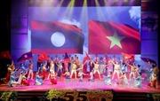 Vun đắp quan hệ Việt - Lào 'mãi mãi vững bền hơn núi, hơn sông'