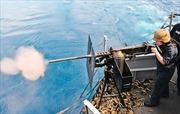 Tàu tuần tra Mỹ dùng súng máy hạng nặng bắn cảnh cáo tàu Iran ở Vịnh Ba Tư