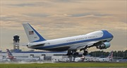 Mỹ định mua máy bay bị Nga 'bỏ rơi' làm Không lực Một cho Tổng thống Trump