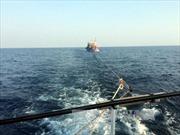 Nghệ An: Cứu nạn tàu cá hỏng máy thả trôi trên biển với 19 thuyền viên