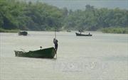 Ngăn chặn hành vi khai thác cát trái phép trên sông Thạch Hãn