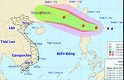 Bão HATO gần Biển Đông có xu hướng mạnh thêm
