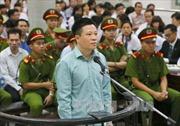 Nguyên Chủ tịch Hội đồng Quản trị OceanBank Hà Văn Thắm và các đồng phạm ra hầu tòa