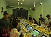 Gần 100 cảnh sát đột kích 'ổ' đánh bạc cực lớn ở Sài Gòn