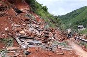 Sạt lở đất làm 'tê liệt' Quốc lộ 4G, đoạn qua Mai Sơn - Sơn La