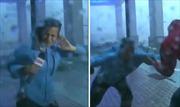 Phóng viên kênh CNN bị thổi bay người khi đưa tin trực tiếp trong bão Maria