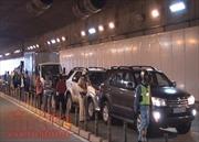 5 ô tô đâm nhau liên hoàn trong hầm vượt sông Sài Gòn
