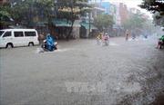 Mưa lớn gây ngập Quốc lộ 37 trong nhiều giờ