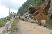 Thanh Hóa: Sạt lở đất đá do mưa lớn, xã Tam Thanh bị cô lập