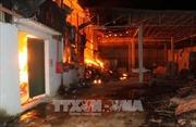 Thanh Hóa: Cháy lớn tại kho sản xuất tăm