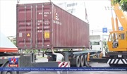 Đà Nẵng: Lật xe đầu kéo gây ách tắc giao thông