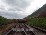Ngành đường sắt khắc phục sự cố sạt lở đất tại Ga Lâm Giang