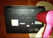 Lỡ đổ nước vào laptop: Cấp cứu nhanh bằng máy sấy tóc