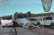 Bé 10 tuổi lái trộm ô tô với tốc độ 160km/h, bị cả đoàn cảnh sát rượt đuổi