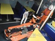 Cứu thuyền viên bị tai nạn nguy kịch khi đang làm việc trên biển